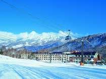 【冬】志賀高原プリンスホテル南館 館内からそのまま第2ゴンドラにご搭乗いただけます。