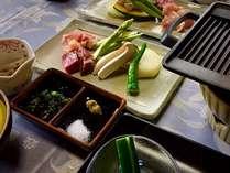 熊野牛と紀州うめどり、季節の野菜を鉄板焼きで