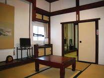 三階:建築当時の姿を残した、明るい静かなお部屋です。