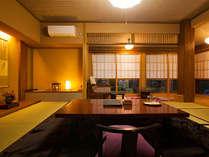 母屋 和室12.5畳 露天風呂付角部屋のお部屋です。