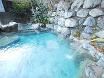 *露天風呂「山の音」「美女づくりの湯」と呼ばれるとろりとした優しいお湯♪