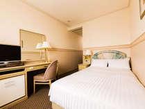 【客室】シングルルーム2名利用 広さ:16平米・宿泊人数:2名・ベッド幅:120cm