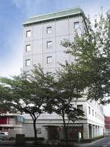 【外観】久米川駅より3分 西武新宿線久米川駅南口より徒歩3分の立地です。