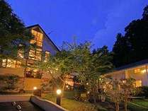 木々に囲まれた高原に佇むポコアポコプライベート感にこだわり 露天風呂付客室 お部屋食の宿