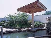 温泉は男女合わせて12種類の浴槽がございます!和風露天風呂