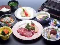 温泉やおいしい料理を満喫し、楽しい旅行で家族の絆を深めよう!冬のステーキ御膳