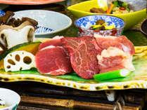 秋田3大肉「秋田錦牛・比内地鶏・虹の豚」を食べ比べ
