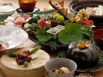 【旬彩懐石コース】草庵秋桜のスタンダード料理。ゆっくりお食事の時間をお楽しみください。