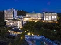 鳥羽湾から見たホテル夕景