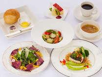 メインを選べる・ボリューム満点夕食&朝食ビュッフェ