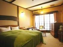 洋室 ダブルベッド