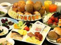 和洋30種メニューの朝食バイキングをお楽しみください♪最上階14Fレストラン7:00~9:00(最終入店8:40)
