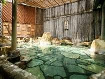 【お風呂】男湯/露天風呂 疲れを癒す効能豊かなの源泉を掛け流す温泉