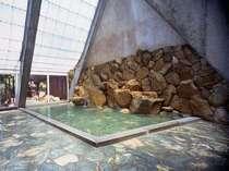 【お風呂】男湯/大浴場 疲れを癒す効能豊かなの源泉を掛け流す温泉