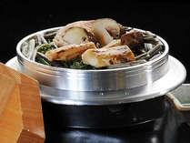 ホクホクをアツアツで召し上がれ♪松茸釜飯 ※料理イメージ