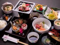 *【夕食一例】季節感あふれる料理が自慢!