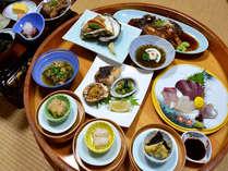 【お食事例】当館名物の磯桶料理をご賞味くださいませ。(お料理の写真はイメージです)