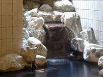 【岩風呂】かけ流し温泉です♪