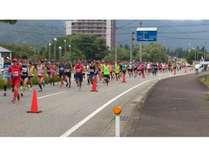 越後湯沢秋桜ハーフマラソン(岩原橋付近)