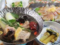 ■【ご夕食一例】食による療養を提供する「食治」の考えのもと、体に優しいメニューです。