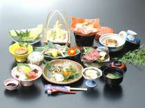 四季折々に、おまかせ料理基本プラン…旬の食材をたっぷりと≪1泊2食付≫
