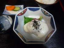 成田市場の新鮮な魚を使った定食