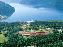 芦ノ湖まで徒歩5分♪雄大な自然に囲まれています。