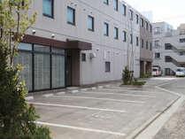 ☆平地駐車場30台完備