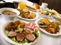 ご朝食はホテル1F「あるふぁ・が~でん」が和・洋バイキングをご用意致しております。