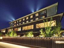 外観/四季を彩る彦根城を望む大浴場・半露天風呂付客室で湯と景観をお楽しみください。