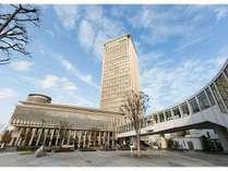 山形駅と直結。霞城セントラル最上階24階にフロントがございます