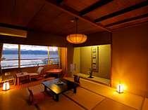 諏訪湖側の和室10畳。