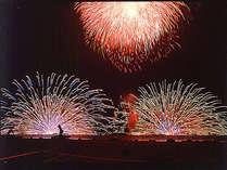 布半は、花火打ち上げ場所の浮島が真正面!目の前に花火があがります。