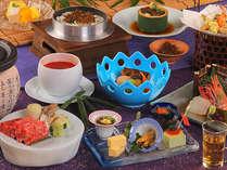 信州特選和牛の温石焼や、布半名物のお料理を味わい尽す本格的会席料理です。
