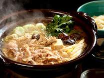 信州のブランド豚を、地場産信州味噌と地酒の吟醸酒粕で煮込んだ特製味噌鍋。
