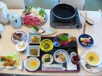 2食付【夕食時ドリンクバー特典】◆標高1200mに位置する宿で、のんびり高原ステイ