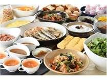 【朝食】和洋食ビュッフェスタイルAM6:30~AM9:00常時30種類以上ご用意