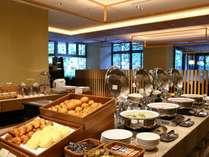 【旬彩tu・ba・ki朝食】ブッフェ会場朝7時から営業しております。