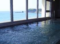 日本海が一望できる展望浴場