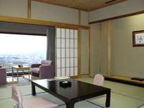 古都を眺める和室10畳
