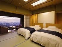 ローベットのお部屋はツインタイプ。眺望抜群のお部屋を確約いたします。