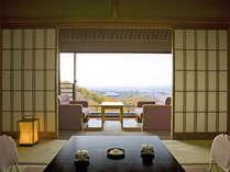 【和室10畳/最上階】お部屋から奈良市内の景色を一望できる最上階のお部屋です。