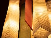フロントロビー上部に設置してある和照明