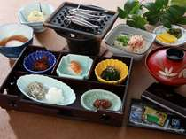 【ご朝食】和定食にてご用意。(食材は時期により変更致します)