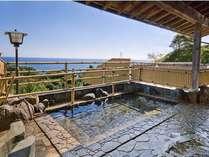(女性露天風呂)空と海と天然温泉が日々の疲れを癒してくれます。