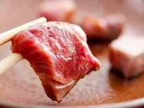 """「お魚もいいけどお肉も♪」 という """"欲張りグルメ派さん"""" へ。【サイコロステーキ付☆土佐和牛付会席】"""