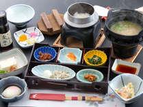 【朝定食の一例】ご宿泊当日の状況により『和定食』か『バイキング』となります。