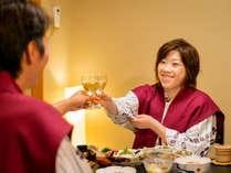 個室でゆっくり味わう夕食♪獲れたての海の幸を、大切なひとと一緒に。