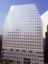 新宿駅南口より徒歩8分、ビジネス・観光に便利なホテル