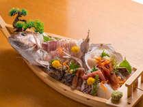 新鮮な魚介類を味わう♪脂がのった舟盛り付きプラン